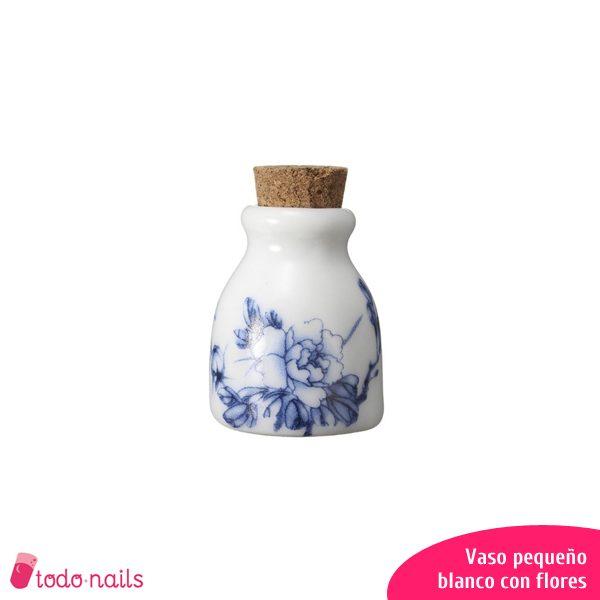 Vaso-pequeño-blanco-flores
